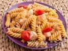 Рецепта Паста фузили със сьомга и чери домати